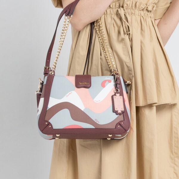 0304819G 004 14 - Posh in Pink Chain Link Shoulder Bag