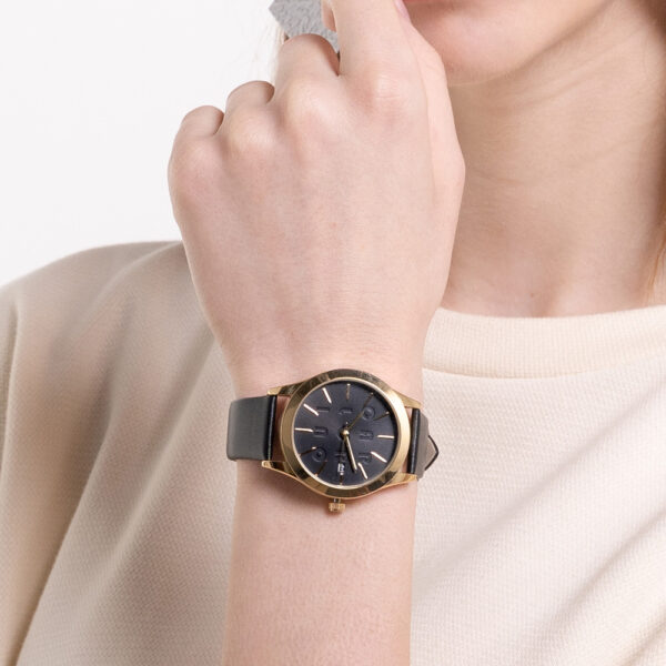 A93301 H002 08 - On The Dot Leather Strap Timepiece