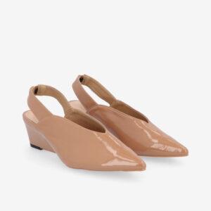 "carlorino shoe 33310 J005 31 1 - 2"" Glossy Sandy Slingback Heels"