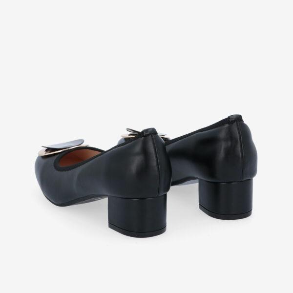 "carlorino shoe 33310 J009 08 4 - 1 1/2"" Button Top Round Toe Pump"