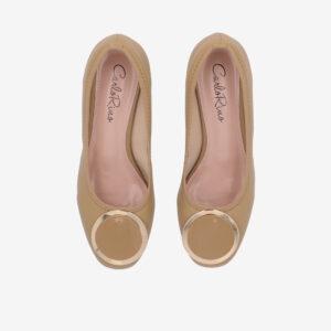 "carlorino shoe 33310 J009 31 3 - 1 1/2"" Button Top Round Toe Pump"