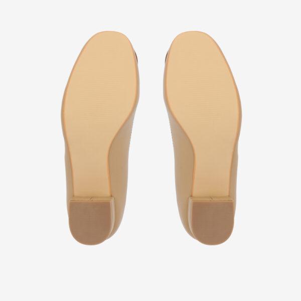 "carlorino shoe 33310 J009 31 5 - 1 1/2"" Button Top Round Toe Pump"