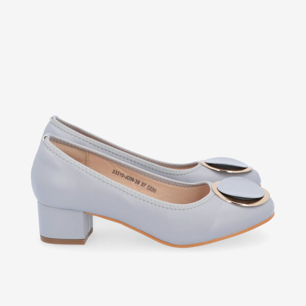 "carlorino shoe 33310 J009 38 2 - 1 1/2"" Button Top Round Toe Pump"