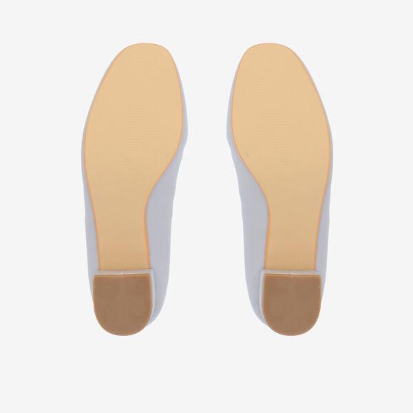 "carlorino shoe 33310 J009 38 5 - 1 1/2"" Button Top Round Toe Pump"