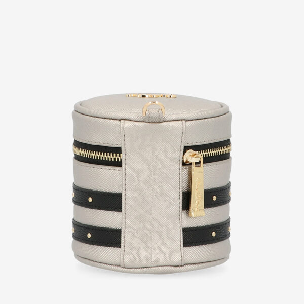carlorino wallet 0305057K 701 12 2 600x600 - That's So Chic! Cylinder Wrislet