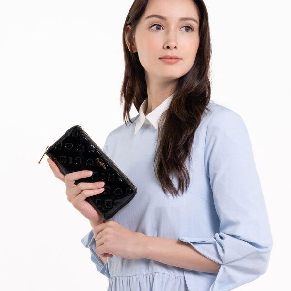0305070K 502 08 - Moment of Luxe Zip-around Wallet