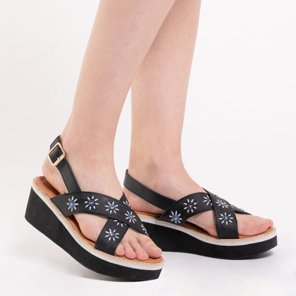 "33300 J002 00 - 2.5"" What A Relief Platform Sandals"