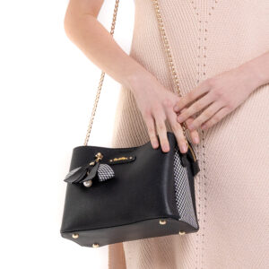 What a Mesh Chain Link Cross Body