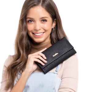 Classic Wardrobe Essential 2-fold Long Wallet